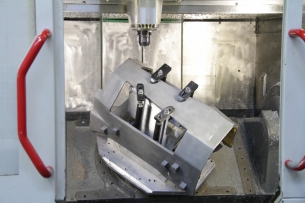 1000x800mm Uzunluklara Kadar CNC Eksen Freze